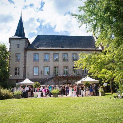 Mariage romantique bleu et lin à la Confrérie Saint-Etienne