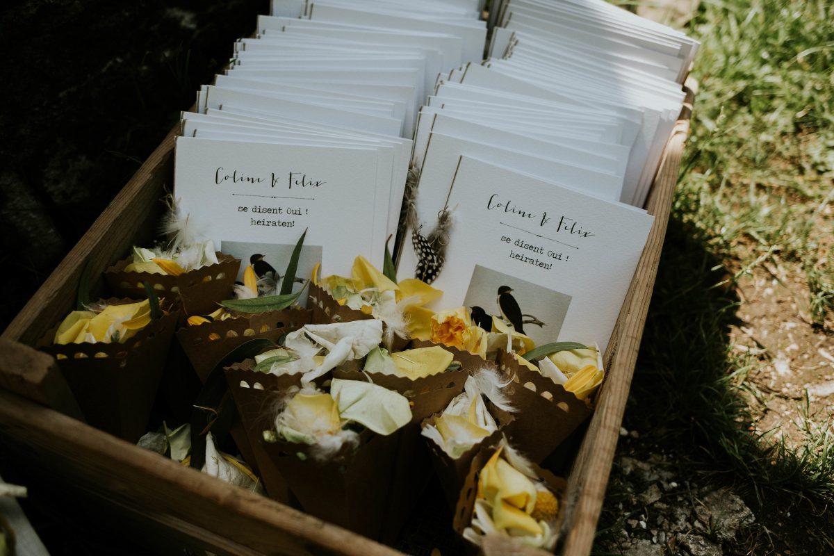 mariage bohème moutarde plume au Morimont
