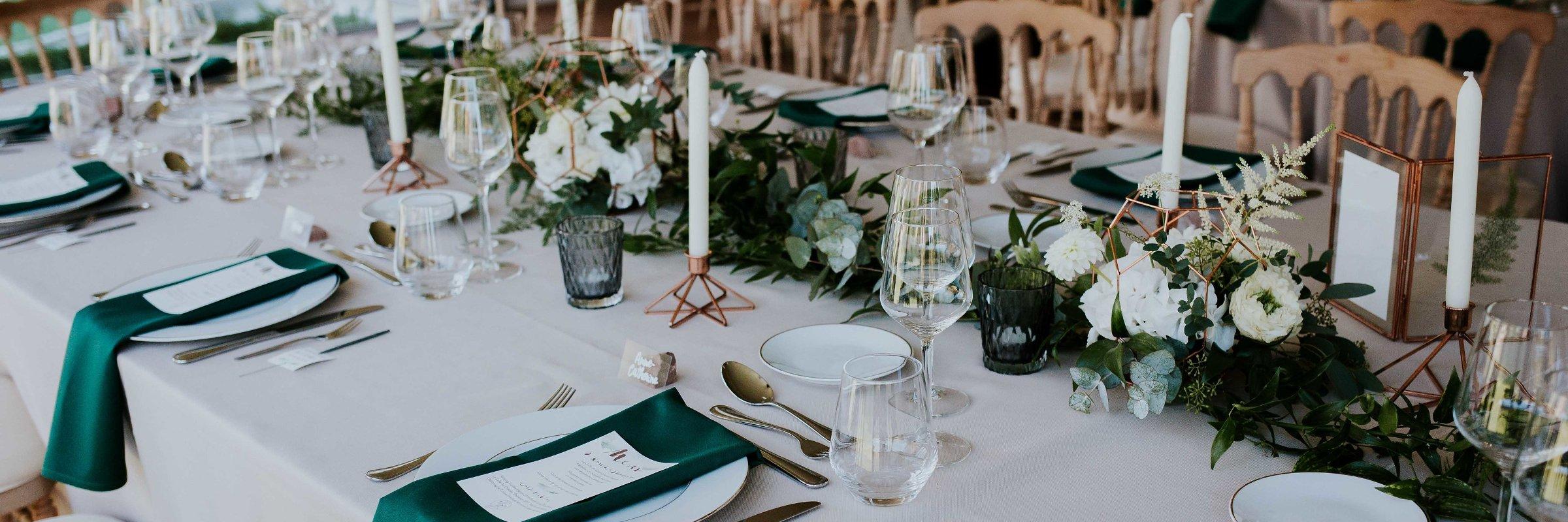 Décoration de mariage cuivre et vert