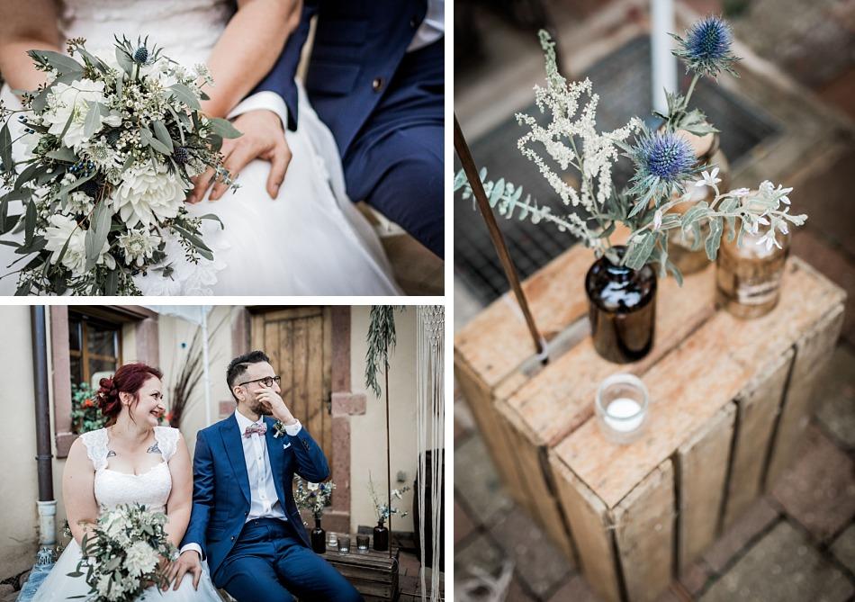 mariage bleu et ardoise dans une scierie